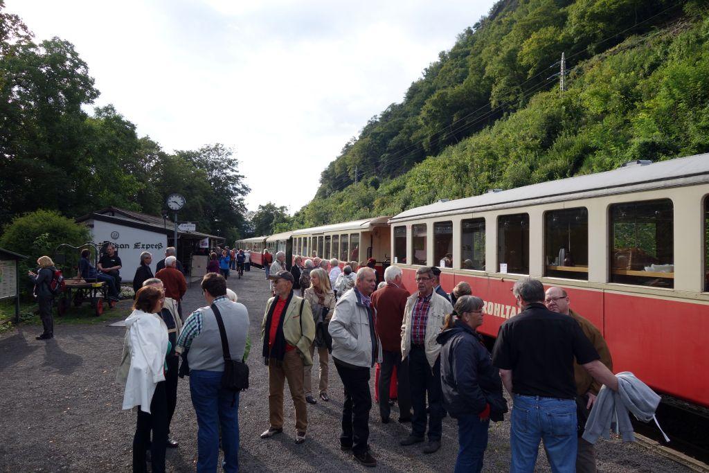 Bahnhof-Vulkan-Express