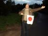 Der Reiseleiter Jens sammlet seine Touristengruppe ein...